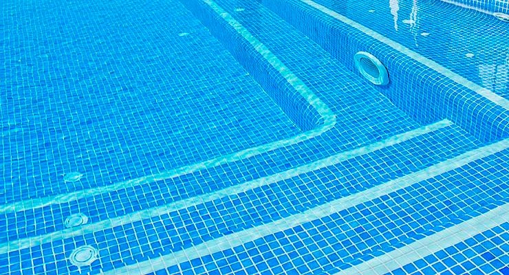 sistemas-de-limpieza-integrados-en-la-piscina--limpiafondos-inte-747